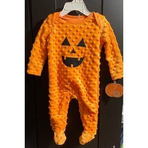 Baby pumpkin super soft onesie NWT